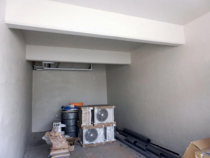 ガレージ内壁塗装 H邸 総社市  施工後