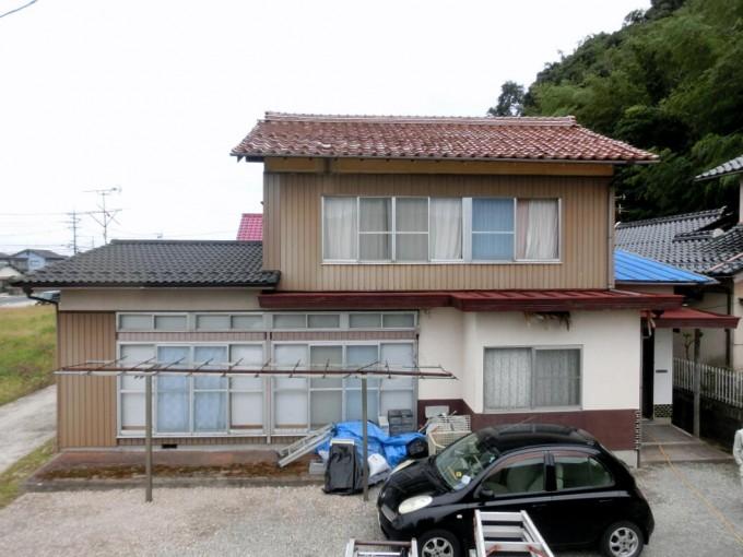 屋根葺き替え工事(瓦からガルバニュウム板金)松江市東出雲町 M邸 施工前