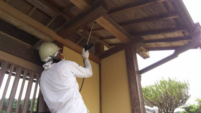 木製の門 洗浄 写真